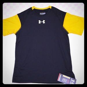NWT UA HEATGEAR Shirt